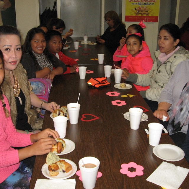 Roadrunners celebrate moms on Mothers Day with tasty pastries!